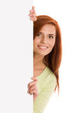 Frau mit leerer Vorstandfahne stockfotografie