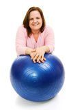 Frau mit Pilates Kugel Stockfotos