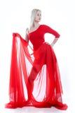 Frau mit rotem Gewebe auf einem Weiß Stockfotos