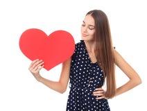 Frau mit rotem Herzen Lizenzfreie Stockfotografie