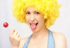 Frau mit süßer Zuckersüßigkeit Stockfoto