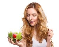 Frau mit Salat Stockfoto