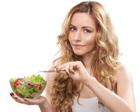 Frau mit Salat Stockfotos
