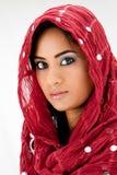 Frau mit Schal Stockfotos
