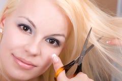 Frau mit Scheren Stockfotos