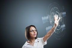 Frau mit Schnittstelle lizenzfreie abbildung