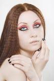 Frau mit schwarzem Nagellack und dunkler Verfassung Stockbilder