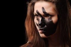 Frau mit schwarzem Punkt von der menschlichen Hand Stockfotografie