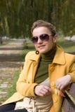 Frau mit Sonnenbrillen Lizenzfreie Stockfotografie