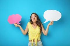 Frau mit Spracheluftblase Lizenzfreie Stockfotografie