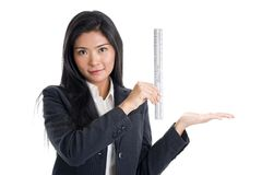 Frau mit Tabellierprogramm lizenzfreie stockbilder