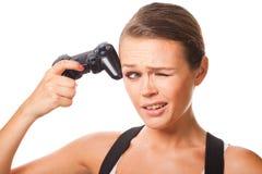 Frau mit Videospielcontroller Lizenzfreies Stockfoto