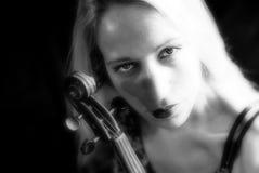Frau mit Violine Lizenzfreie Stockfotografie