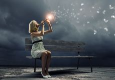 Frau mit Violine Stockfotografie