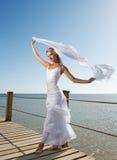 Frau mit weißem Schal Lizenzfreies Stockbild