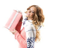 Frau mit Weihnachtsgeschenken Stockbilder