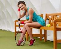 Frau nach Tennistraining Stockfoto