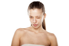 Frau, ohne Make-upzu blinzeln Lizenzfreies Stockfoto