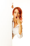 Frau Redhead über Weiß Stockfoto
