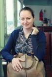 Frau reisendes Bosphorus-Schiff, Istanbul Lizenzfreie Stockfotos
