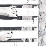 Frau ` s Füße auf weißer Holzbank Strandtageseinfarbige digitale Illustration vektor abbildung