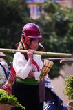 Frau siamesisch Dien Bien im Markt, der Eintragfäden von b verkauft Stockfotos