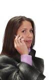 Frau am Telefon lizenzfreie stockbilder
