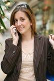 Frau am Telefon Lizenzfreie Stockfotos