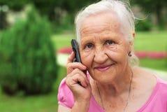 Frau am Telefon Stockfotos