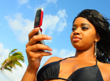 Frau Texting Lizenzfreies Stockfoto