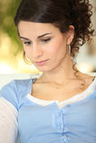 Frau tief im Gedanken Lizenzfreies Stockfoto