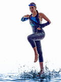 Frau Triathlon ironman Schwimmerathlet stockfotos