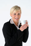 Frau und Becher Lizenzfreies Stockfoto