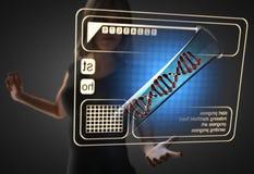 Frau und futusistic Hologramm Lizenzfreies Stockfoto