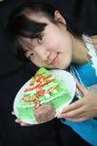 Frau und Kuchen stockfotografie