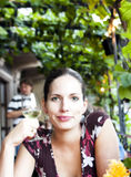 Frau und Wein Stockfoto