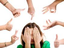 Frau unter dem Gestikulieren der Hände Lizenzfreie Stockfotografie