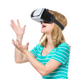 Frau in VR-Gläsern Stockbilder
