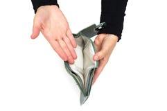 Frau zeigt leere Geldbörse Stockfotografie