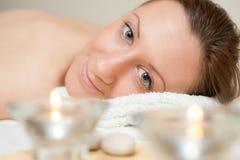 Frauen-Badekurort entspannen sich Lizenzfreie Stockfotos