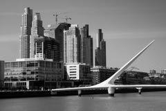 Frauen-Brücke von Calatraba in Buenos Aires lizenzfreie stockfotos