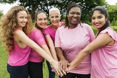 Frauen-Brustkrebs-Stütznächstenliebe-Konzept Lizenzfreies Stockfoto
