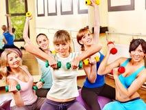 Frauen in der Aerobicklasse. Lizenzfreie Stockbilder