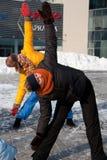 Frauen, die in der Winterkälte, Vilnius trainieren Lizenzfreies Stockfoto