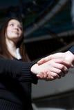 Frauen, die ein Geschäft aufbauen Lizenzfreie Stockfotos