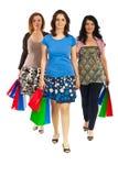 Frauen, die am Einkaufen gehen Stockbild