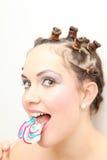 Frauen, die Süßigkeit mögen Lizenzfreie Stockbilder