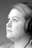 Frauen, die zur Musik ausdrucken Lizenzfreie Stockbilder