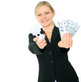 Frauen-Einsparung-Energie-Konzept mit Copyspace Lizenzfreie Stockfotos