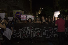 Frauen fungieren gegen Gruppenvergewaltigung in Rio Lizenzfreie Stockbilder